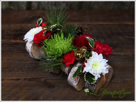 Small Yule Log Holiday bouquet arrangement from Le Bouquet